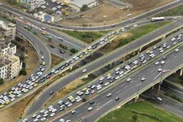 این ترافیک محدود می تواند در بیشتر ساعات روز به بینهایت و بن بست برسد. کلاف سردر گمی که هرگز باز نخواهد شد.