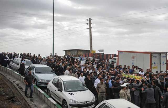 گفتار زنده یاد محمد نمازی. یادش به خیر و راهش ادامه باد.