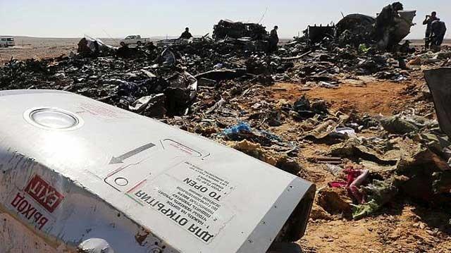 بی گمان سقوط هواپیمای روسی در شرم الشیخ مصر کار بنیاد گران اسلامی است که با کشتار سه روز پیش مردم فرانسه همخوانی دارد و بر اساس دستورات قرآن انجام گرفته است.  گروه موسوم به دولت اسلامی (داعش) شاخه مصر دوبار مسئولیت این انفجار را به عهده گرفته است.