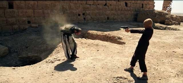 کودکان آموزش دیده در مکتب داعش و مکتب آخوند هرکدام به جنایتکاران و خونخوارانی بی نظیر تبدیل می شوند که معنای رحم و شفقت را هرگز نخواهند دانست.