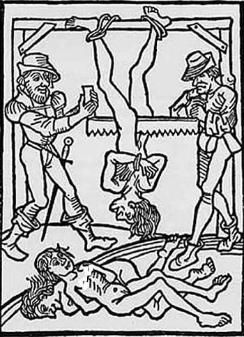 روشهای شکنجه روحانیون مسیحی در قرون وسطی ، امروزه توسط دولتهای اسلامی مانند ایران و عربستان و پاکستان دوباره تکرار می شود. تا درگیر این عکس نباشید و در خانواده تان کسی بخاطر عقیده و دینش شکنجه نشده باشد ، نمی توانید عمق فاجعه را درک نمایید.