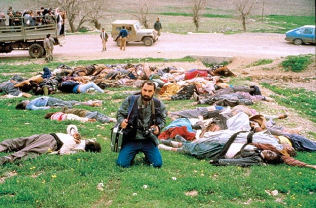 """صدام تا آخرین لحظه اعدامش به ایرانیها و کردها لعنت می فرستاد و فریاد می زد که باید """"همه"""" آنها را کشت! (فرتور قسمت کوچکی از کشتار مردم بی دفاع کرد حلبچه توسط صدام)"""