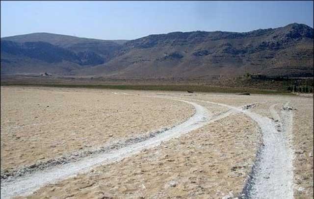دریاچه بختگان امروز- از برکت نکبت آخوند ببینید ما به کجا رسیده ایم!!.