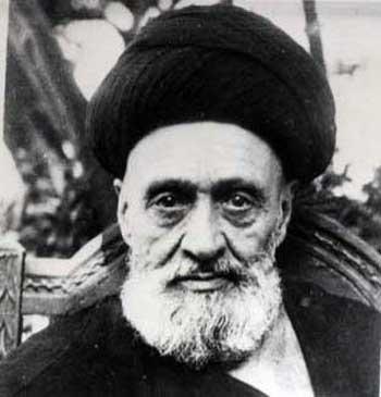 آیت الله کاشانی، جاسوس دوجانبه؛ جاسوس انگلیس در ایران و جاسوس بازار، همچنین گمراه کننده مردم ساده دل و بیسواد.