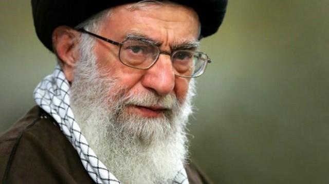 علی خامنه ای در 12 سال گذشته بیشترین ضربه ها را با سیاستهای اشتباهش به اقتصاد و فرهنگ ایران زده است.