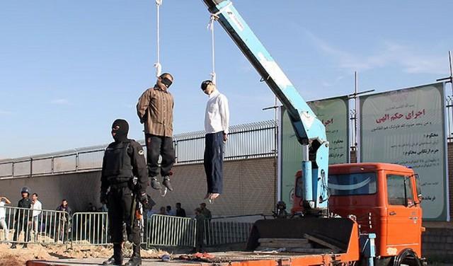 اعدام های در ایران شبانه روزی است. سال گذشته در دولت مهر و محبت آقای روحانی ۹۷۷ اعدام علنی و شمار بیشماری غیر علنی در گوشه و کنار و درون زندان ها پس از شکنجه و زجرهای روانی و فیزیکی انجام شده که در نتیجه رژیم ایران گوی سبقت را از جهانیانبرده است. بنبراین، تصمیم گرفته شد که جایزه نوبل سال ۲۰۱۵ به ابر جنایتکار سال آقای روحانی داده شود. جایزه بزرگتری برای آقای خامنه ای به عنوان ابر جنایتکار قرن گرفته شده که روی استالین، پینوشه، و هیتلر را سپید کرده است.