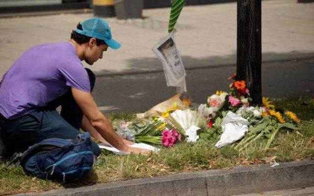 از سوی مردم مونیخ برای همدردی قربانیان این جنایت دسته های گل گذاشته شده و شمع روشن نمودند.