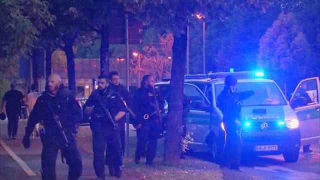 اجتماع پلیس در محل جنایت در مونیخ