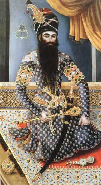 فتحعلی شاه خردباخته مذهبی که در طلسم آخوندها چنان اسیر شد که مملکت ما را به باد داد. در سراسر تاریخ چند هزار ساله ایران که بررسی کنیم، شاهی تا این اندازه به مملکت ما خیانت نکرده است. از آن زمان تا کنون، کشورمان همچنان در حال فرو پاشی است.
