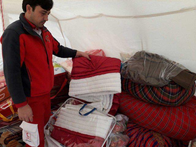 عروس بروجردی که جهیزیه خود را تقدیم زلزله زدگان کرد.