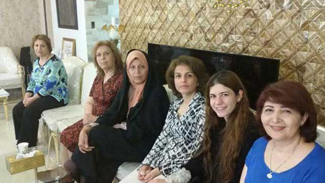 مدیران سابق جامعه بهایی در ایران، مسنترین زندانیان سیاسی زن هم هستند و به گفته خانوادههایشان از درد کمر و مشکلات مفاصل، دندان، لگن و پوکی استخوان رنج میبرند. اما آنها تنها زندانیان بهایی در بند زنان زندان اوین نیستند.
