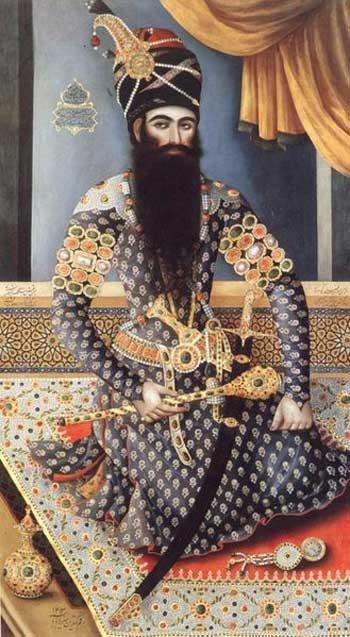 شاه سلطان حسین صفوی، فرد خرافاتی و، سست عنصر و شهوتران که موجب شکست و عقب ماندگی کشور شد و نام و خاطره ای زشت و ننگین از خود در تاریخ ایران به جای گذاشت.
